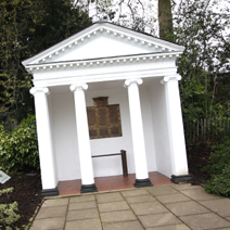 Zdj. nr 31Małzoleum poświęcone pracownikom Kew Gardens.