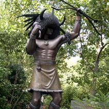 Zdj. nr 100;Pomnik przed muzeum Indian