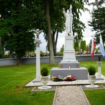 Zdj. nr 21;Pomnik w Karczmiskach
