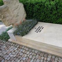 Zdj. nr 27;Pomnik Kazimierza Komsty