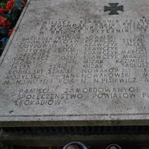 Zdj. nr 13;Pomnik rozstrzelanych w Leokadiowie