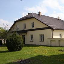 Zdj. nr 5;Plebania z XVIII wieku w Kurowie.