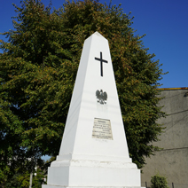 Zdj. nr 14;Pomnik w Markuszowie