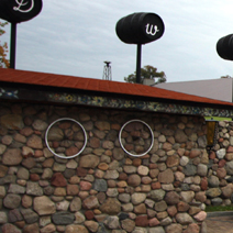 Zdj. nr 3;Parking przy dworze w Chotyni.
