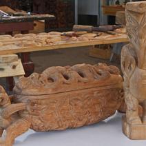 Zdj. nr 180;Rzeźby maoryskie