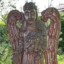 Zdj. nr 188;Anioł w ogrodzie u Artura Maja w Rykach