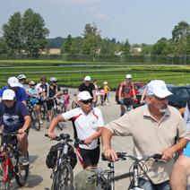 Zdj. nr 5Rajd rowerowy po szkółce z okazji Święta Róż