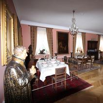 Zdj. nr 48;Pokój dworu - byłej rodziny Starzewskich. Obecnie Muzeum Rolnictwa