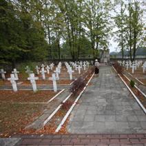 Zdj. nr 15;Cmentarz partyzancki w Osuchach