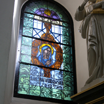 Zdj. nr 16;Witraż Św. Anny