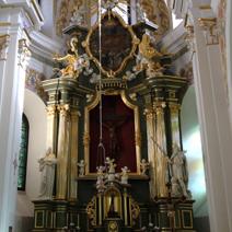Zdj. nr 14;Prezbiterium i ołtarz główny