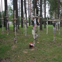 Zdj. nr 24;Symboliczne miejsca pochówku.