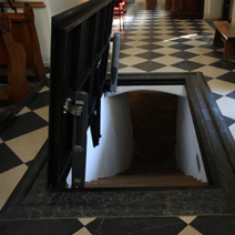 Zdj. nr 37;Wejście do kryp