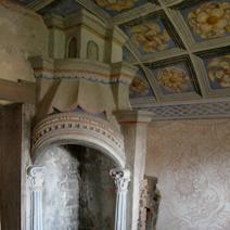 Zdj. nr 15;Oratorium - kominek do ogrzewania (pomieszczenie mieszkalne)