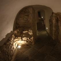 Zdj. nr 3;Korytarz prowadzący do krypt.