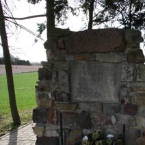 Zdj. nr 87;Pomnik w Piotrawicach