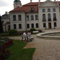 Zdj. nr 15;Widok na pałac od strony wschodniej