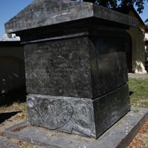 Zdj. nr 71;Pomnik Józefa Ostrowskiego gen. wojsk polskich w Końskowoli