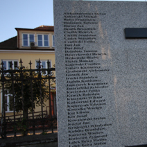 Zdj. nr 76;Pomnik pomordowanych z powiatu kraśnickiego przez najeźdźców niemieckich i sowieckich