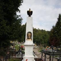 Zdj. nr 80;Mogiła i pomnik powstańców (M. Borelowskiego) 1863 r. w Batorzu