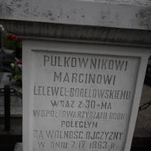 Zdj. nr 81;Mogiła i pomnik powstańców (M. Borelowskiego) 1863 r. w Batorzu