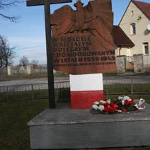 Zdj. nr 1;Pomnik w Szydłowie