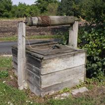 Zdj. nr 49;Studnia przy domu w Kryłowie