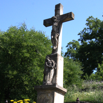 Zdj. nr 111;Krzyż przy kościele Benedyktynów w Tihanach- Węgry