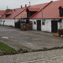 Zdj. nr 9;Końskowoli - dawne stajnie i obory z XVIII wieku